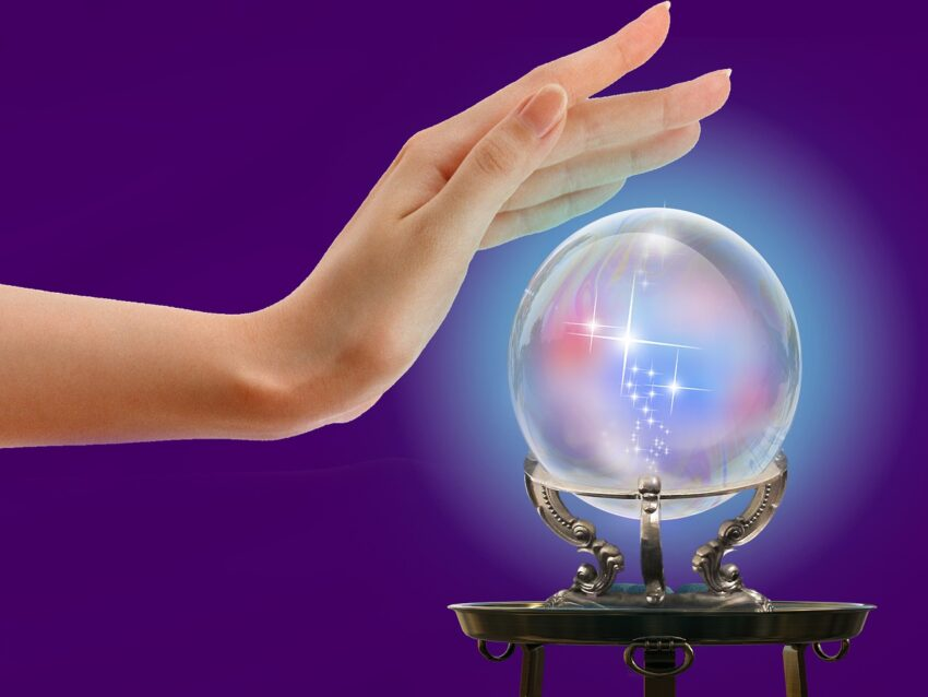 Crystal Ball Hand Magic Medium  - Briam-Cute / Pixabay